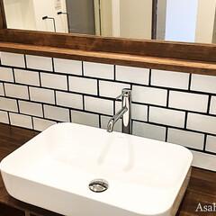 洗面室/洗面台/カフェ風/サブウェイタイル/造作洗面 洗面台には大きめの洗面ボウルを設置。カウ…
