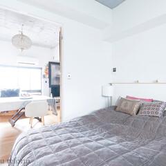 ベッドルーム/住まい/洋室/寝室 ベッドルームはリビングとの間の両開きの扉…