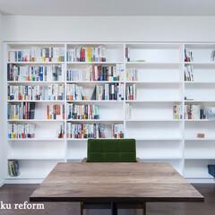 リフォーム/オーダーメイド家具/造作家具/本棚/ブックシェルフ/収納/... 本棚と60年代テイストの家具が馴染み、カ…