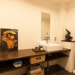 洗面室/洗面カウンター 玄関の一部を取りこみ、洗面・トイレ・バス…