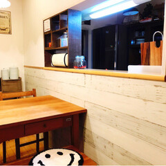 キッチン/DIY/ウッドパネル/シャビー加工 自宅のカウンターの腰下をホワイトウッドに…