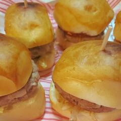 ハンバーガー/コストコちぎりぱん/わたしのごはん お友達からコストコのおすそわけを頂きまし…