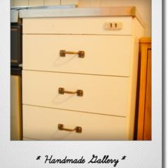 キッチンストッカー/キッチン/DIY/リメイク/ハンドル/真鍮/... サイズはぴったりだけど、ハンドルがシルバ…