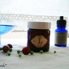 アロマテラピー/精油/コスメ/ラベンダー/パーム乳化ワックス/精製水/... マカダミアナッツオイルと精製水を、パーム…