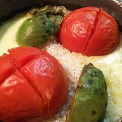炊き込みご飯/簡単/美味しい/モッツァレラチーズ/アボカド/トマト/... (1枚目)
