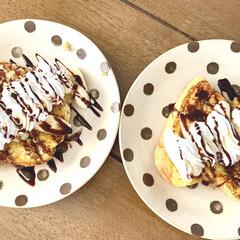 今日の朝食/チョコソース/ホイップクリーム/フレンチトースト/朝食/カフェ風/... めちゃくちゃ久々の投稿(笑) Insta…(1枚目)