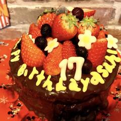 手作りケーキ/17歳/お誕生日/バースデーケーキ/happy birthday/長男の誕生日/... 長男くん、17歳になったらしい(笑) ケ…