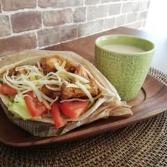 ケイジャンチキン/kaldi/コストコ購入品/コストコ/ピタパン/おうちごはん/... 今日のランチ🍴💕 コストコのピタパンです…