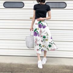 アディダス/ミンスショップ/UNIQLO/ユニクロ/夏コーデ/ファッション 大振りなボタニカル柄が可愛いスカート♪ …