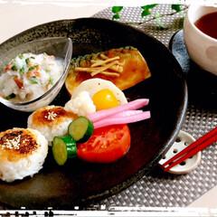 フード/朝ごはん/LIMIAごはんクラブ/おうちごはんクラブ/わたしのごはん 朝ごはん  焼きおにぎり 鯖の味噌煮 3…