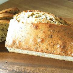 パウンドケーキ/おうちカフェ/手作りおやつ/おやつ/おうちごはん/簡単 今日のおやつは、紅茶のパウンドケーキを焼…(2枚目)