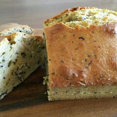 パウンドケーキ/おうちカフェ/手作りおやつ/おやつ/おうちごはん/簡単 今日のおやつは、紅茶のパウンドケーキを焼…(1枚目)