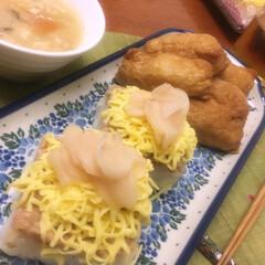 お寿司/フード 押し寿司と稲荷寿し