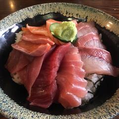 海鮮丼/ランチ/フード/グルメ 海鮮丼 💕 市場にてランチに海鮮丼を食べ…