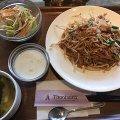 パッタイ/タイ料理/グルメ/フード/おでかけ タイ料理🇹🇭を食べてきました。 パッタイ…