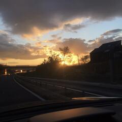 夕焼け/秋/おでかけ 明日に向かって🚗 沈みゆく太陽。