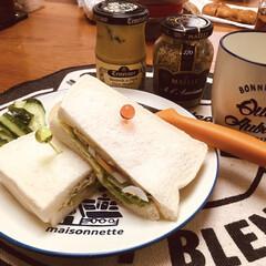 サンドイッチ/おうちごはん/グルメ/フード/ごはん 今日ランチ☕️ 生ハムとタマゴのサンドイ…