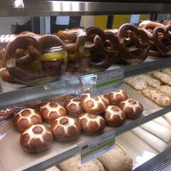 ドイツパン/おでかけ/グルメ/フード/わたしのごはん ドイツのパン 🍞🥨🥐  ハード系のパンと…