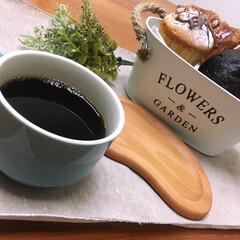 コーヒー/パン/ランチ お昼ごはん   クロワッサン  🥐 ベー…