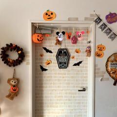 ハロウィン/100均deハロウィン ドアにもダイソーのフェルトで作ったキャラ…
