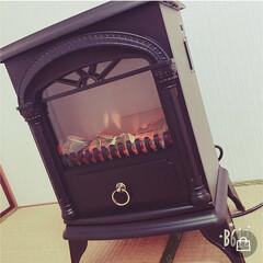暖炉型ファンヒーターNostalgie ブラック CH-1331BK(電気ストーブ)を使ったクチコミ「見た目から暖かく、見た目で癒される暖炉型…」