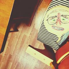 癒された/チビのいたずら/ブーブークッション   ウケるー(*´艸`*) 自分の椅子に…