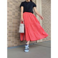 ZARA/ザラ/コンバース/ユニクロユー/ユニクロ/ママファッション/... ブラック×赤コーデ♪ Tシャツはユニクロ…