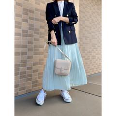 GU/ジーユー/UNIQLO/ユニクロ/プチプラファッション/ママファッション/... 紺ブレ×プリーツスカートコーデ♪ ネイビ…(1枚目)