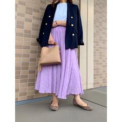 GU/ジーユー/ファッション/プチプラファッション/ママコーデ/ママファッション/... GUの紺ブレにパープルのリネン風スカート…(1枚目)
