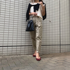 ママファッション/ママコーデ/ジーユー/UNIQLO/ユニクロ/GU/... ホワイト×ベージュコーデ♪ 肩掛けカーデ…