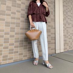 ジーユー/秋ファッション/プチプラファッション/プチプラコーデ/ママファッション/ママコーデ/... GUのマットサテンダブルポケットシャツに…