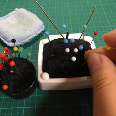 針/お裁縫/引っ越し/DIY/雑貨/住まい/... 針刺しをリフォームしたので、針たちは仮住…
