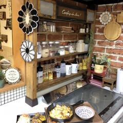 調味料ボトル/リメイクシート/ディアウォール/調味料棚/キッチン ディアウォールで作った調味料棚とっても便…