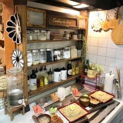 おうちごはん/チワワ/ディアウォール/調味料ボトル/調味料棚DIY/夜ご飯/... こんばんわ。 今日の夜ご飯はつけ麺にしま…