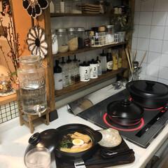 冷凍うどん/ディアウォール/調味料棚/土鍋/鍋焼きうどん/おうちごはん/...  おはようございます。  鍋焼きうどんが…
