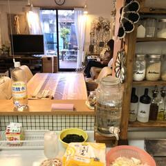 調味料棚/キッチンドリンカー/お酒/おうちごはん/つけ麺/夜ご飯/...  夜ご飯の温かつけ麺。  汁には豚バラと…