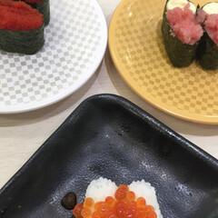 お寿司/至福のひととき 今日の昼食。 全部で茶碗蒸しと10皿食べ…(3枚目)