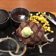 ステーキ/ランチ 今日のランチはステーキと珈琲ゼリー。 食…