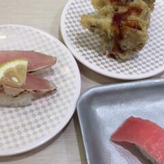 お寿司/至福のひととき 今日の昼食。 全部で茶碗蒸しと10皿食べ…(2枚目)