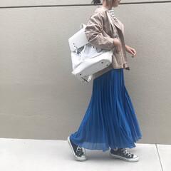 公園コーデ/30代ファッション/30代コーデ/スカートコーデ/ロングスカート/プリーツスカート/... 春コーデ🌱  今週は暖かいので 春コーデ…