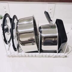 T-fal インジニオ ネオ IHステンレス エクセレンスセット9 ティファール | ティファール(圧力鍋)を使ったクチコミ「フライパン収納②こちらはニトリのものです…」(1枚目)