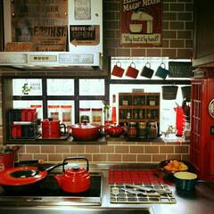 赤/ルクルーゼ/キッチン雑貨/キッチン キッチンアイテムは赤を基調に カラフルに…