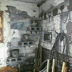 路地裏風/路地裏/DIY/作業部屋/ワイヤーネット/レンガ柄/... 作業部屋の一角☆元々和室だった部屋を全面…