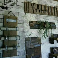 ジャンク/廃材/ホームセンター金具/ホームセンター/古道具/インダストリアル/... 足場板古材や廃材、ホームセンター金具など…