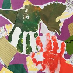 手形アート/子ども/父の日 父の日のカード作り 子どもたちの手形を恐…