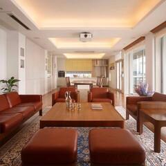 ダイニング/コーブ照明/間接照明/シアタールーム/ビーチスタイル/ミサワホームイング/... オーシャンビューの美しい邸宅。連続した間…