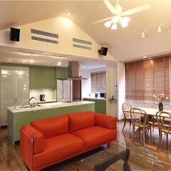 リフォーム/インテリア/家具/住まい/キッチン/リノベーション/... 天井を屋根形状に合わせて高くすることでダ…
