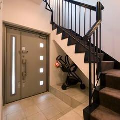 玄関ドア/大理石/階段/ミサワホームイング/ベビーカー置場/ベビーカー/... RC戸建住宅の玄関リフォーム。ゆったりと…