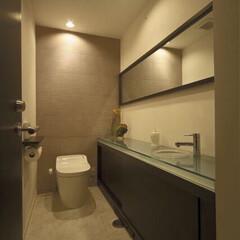 リフォーム/インテリア/住まい/収納/リノベーション/トイレ/... シックなインテリアでまとめたトイレのリフ…