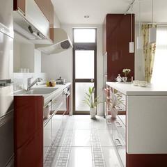 リフォーム/インテリア/住まい/キッチン/収納/リノベーション/... 戸建のリノベーション。白い空間に真っ赤な…